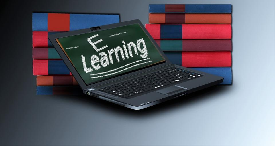 How Older Adults Learn New Technology